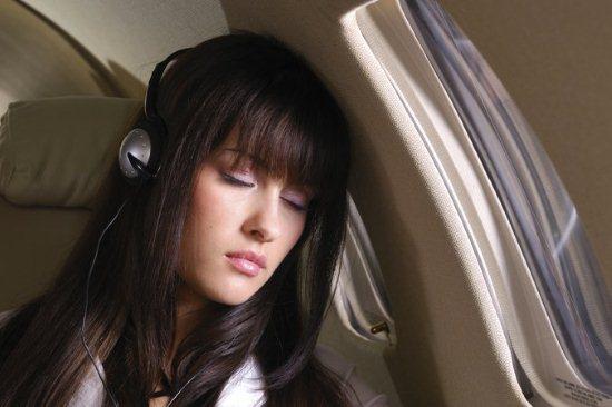 Почему в самолете быстрее растут волосы