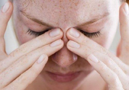 Причины заложенности носа без насморка у взрослых