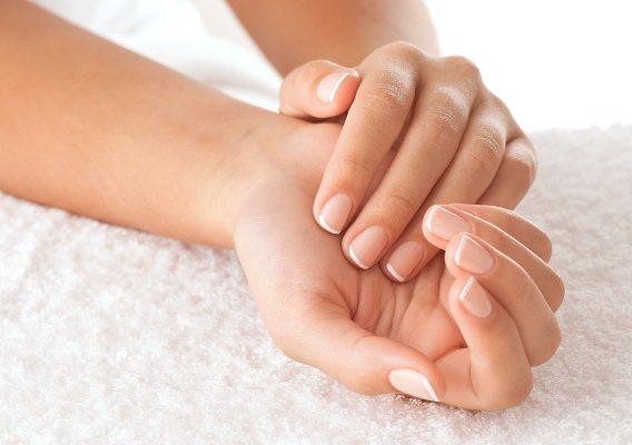 Сухая кожа рук? Нехватка какого витамина