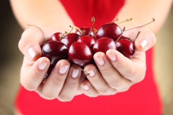 Черешня — полезная ягода при диете для похудения