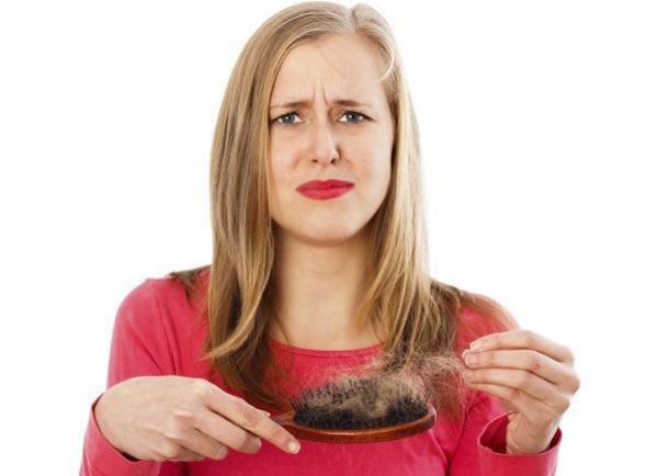 К чему снится, что выпадают волосы прядями
