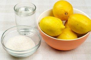 Спирт, лимон и зубная паста - выводят зеленку