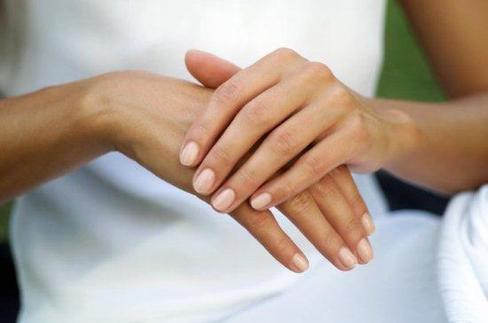 Кожа на руках сохнет и трескается. Лечение кожи