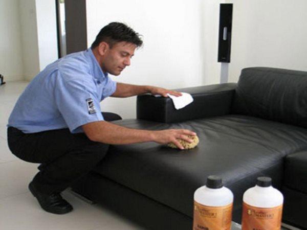 Leather master – средство для очистки кожи мебели