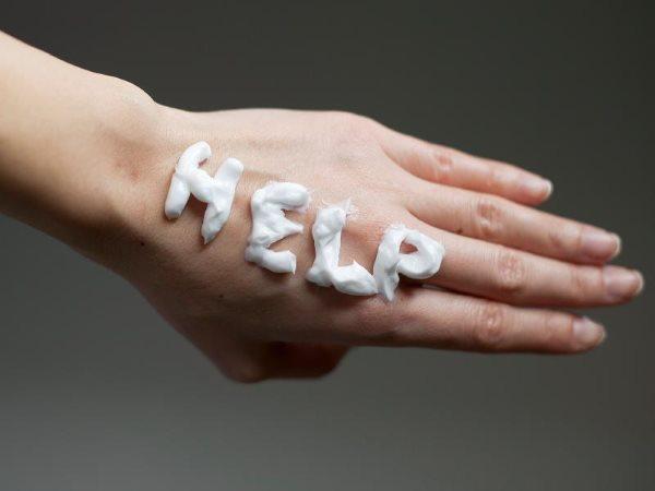 Почему облезает кожа на пальцах рук