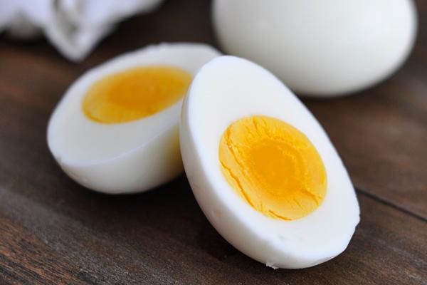 Где содержится витамин в12. В каких продуктах