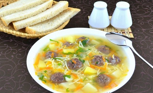 Как сварить суп с фрикадельками. Пошаговый рецепт