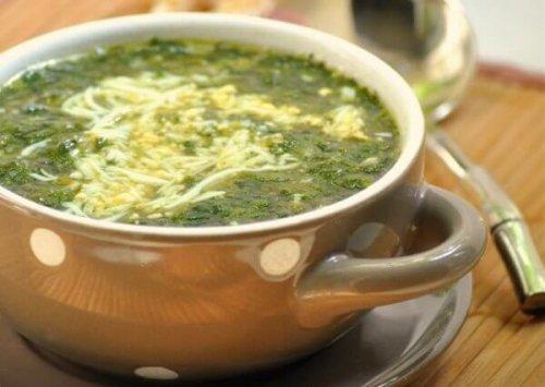 Крапивный суп – простой рецепт с яйцом
