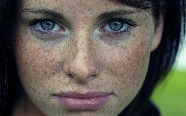Пигментация на коже и темные пятна: что делать