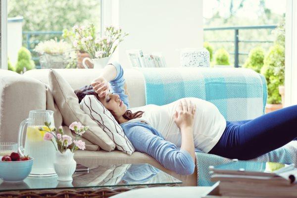 Поза для сна во время беременности