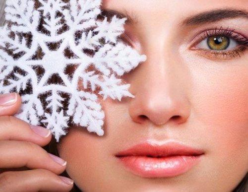 Шелушение кожи на лице у женщин: причины