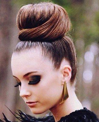 Прически с валиком для волос — пошаговое выполнение