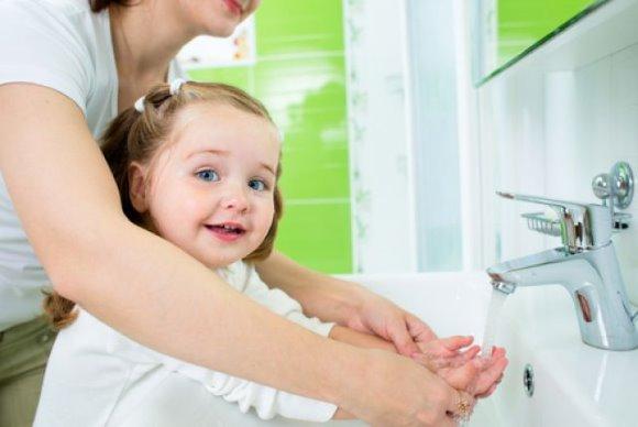 У ребенка слезает кожа на пальцах рук. Что делать?