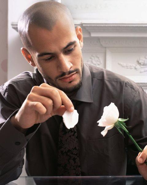 Влюбленный Рак-мужчина: поведение и признаки