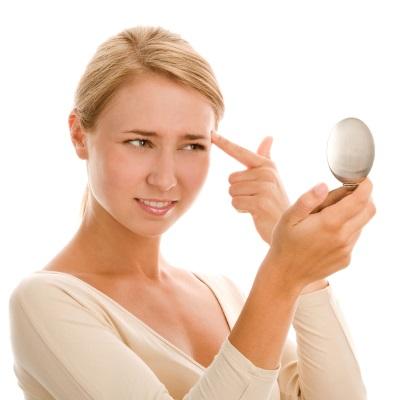 Белые угри на лице – как избавиться (фото)
