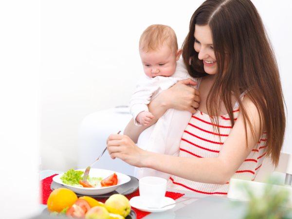 Как увеличить грудное молоко кормящей маме