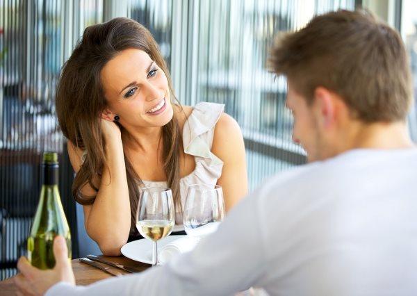 Как ведет себя влюбленный женатый мужчина