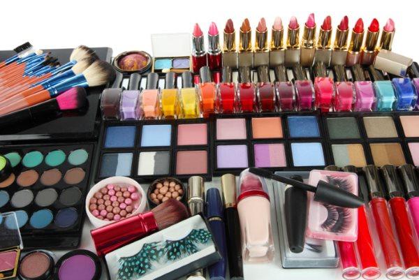 Какая косметика нужна для профессионального макияжа