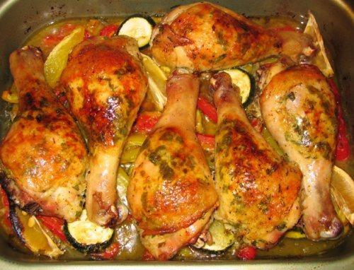 Куриные ножки с кабачками в духовке