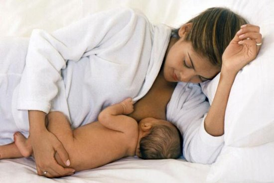 Нужно ли смывать Бепантен перед кормлением ребенка