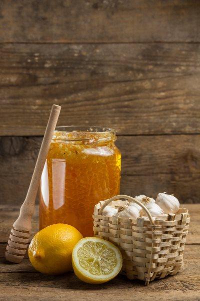 Мед, лимон, чеснок – коктейль здоровья. Его польза
