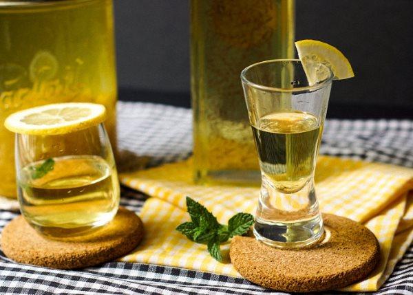 Настойка из лимона на спирту – рецепт настойки