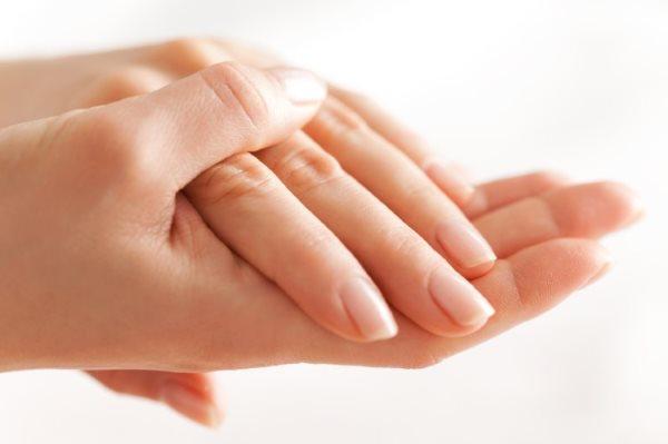 Ухоженные женские руки.