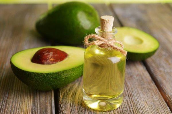 Авокадо и растительное масло.