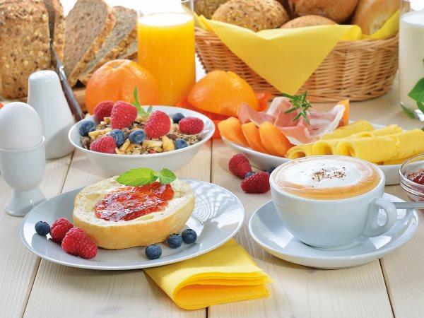 Фруктовый завтрак.