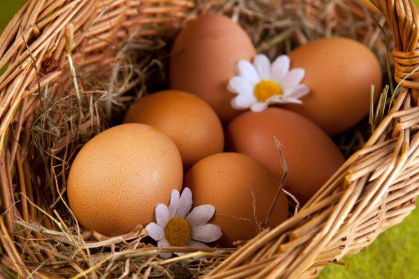 Куриные яйца.