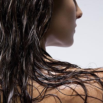 Влажные волосы