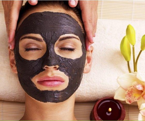 Как наносить и сколько держать черную маску на лице