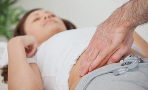 Аппендицит: признаки и симптомы у взрослых женщин и мужчин