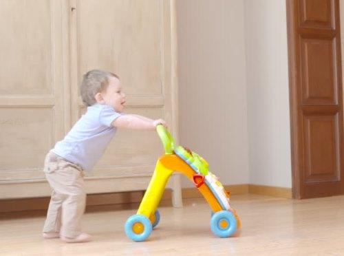 Как научить ребенка ходить самостоятельно. Практические советы