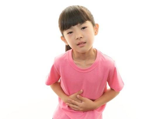 Как помочь ребенку при рвоте без температуры. Что давать из лекарств
