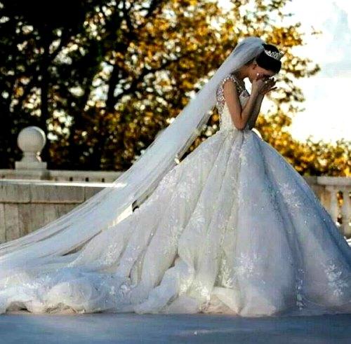 Плачущая невеста.
