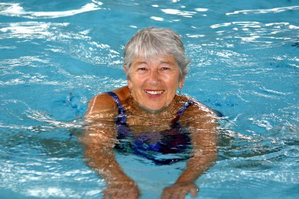 Слабительные средства при запорах для пожилых. Препараты и народные средства