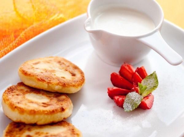 Сырники из творога на сковороде. Ингредиенты, рецепт, приготовление. Фото