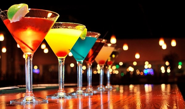 Мартини. Как пить коктейль Бьянко, Асти, россо. Цена 1 литра, домашний рецепт