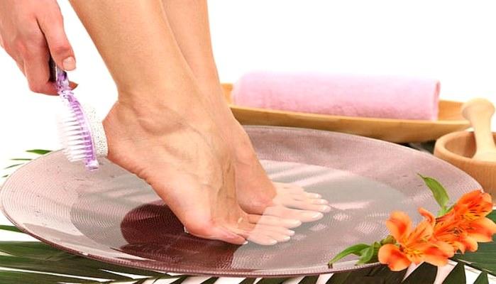 Огрубевшие сухие пятки - народные рецепты восстановления мягкости и нежности кожи