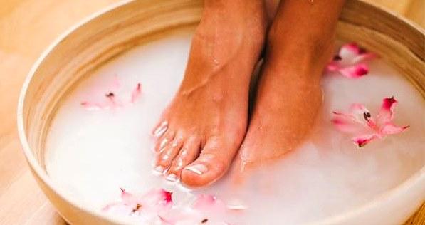 Способы смягчения кожи на пятках в домашних условиях. Лечение сухости и трещин