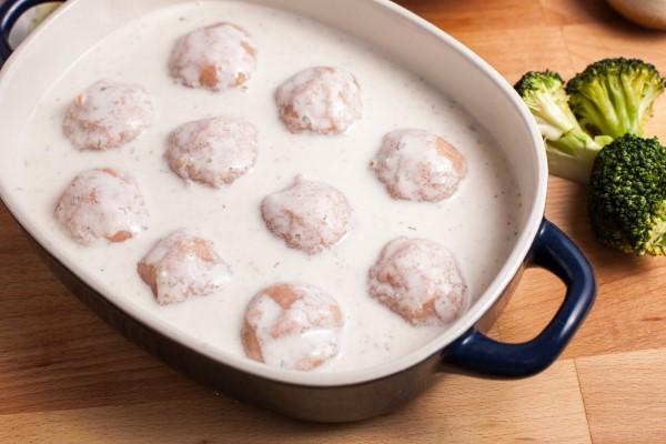 Фрикадельки с подливкой. Рецепты с фото пошагово: на сковороде, в духовке, мультиварке, как в детском саду