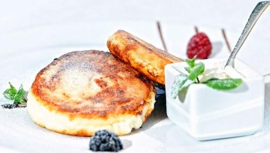 Сырники из творога на сковороде. Рецепты классический, простой, как приготовить пышные, нежные, вкусные. Пошаговая инструкция с фото