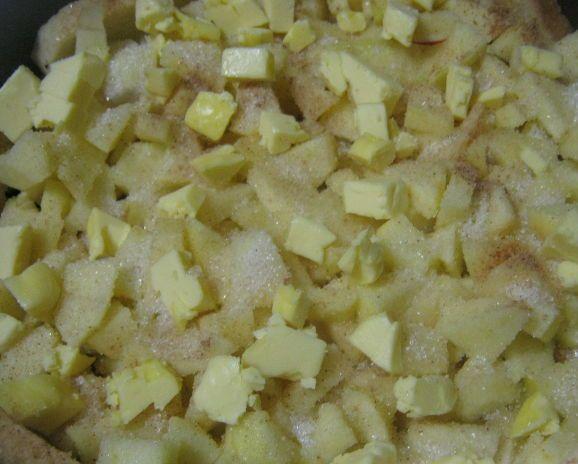 Как приготовить шарлотку с яблоками в духовке. Рецепты на сметане, кефире, с майонезом, простой классический с фото пошагово