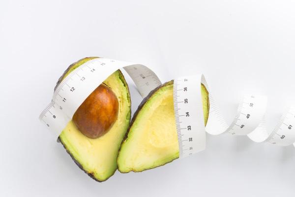 Авокадо. Полезные свойства для организма женщин и мужчин. Калорийность, бжу, рецепты применения в сыром виде, масла, косточки