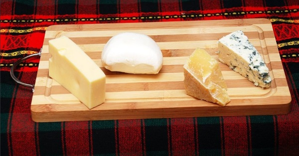 Пицца. Как приготовить в духовке, рецепты пошагово в домашних условиях: с колбасой, сыром, грибами, как сделать тесто