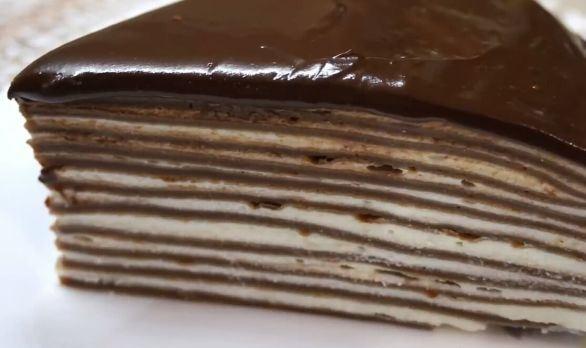 Блинный торт со сметанным кремом, бананами, сгущенкой, вишней, шоколадный, творожный, на кефире. Пошаговые рецепты