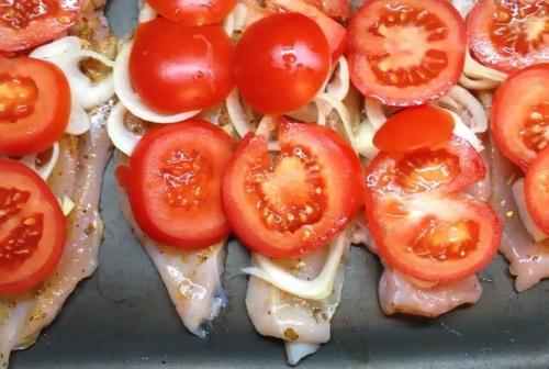 Мясо по-французски в духовке из свинины. Рецепт с фото с картошкой, помидорами, грибами, фаршем, из курицы, говядины. Как вкусно приготовить с ананасом