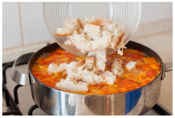 Что делать, если пересолила суп. Как исправить, убрать лишнюю соль, что добавить разные виды первых блюд для удаления лишней соли
