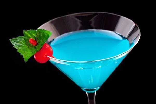 Коктейль «Космополитен». Как приготовить классический алкогольный и безалкогольный. Рецепты, состав, ингредиенты, подача напитка